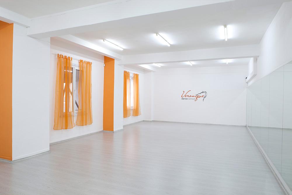 Зала на школа по танци Вероник