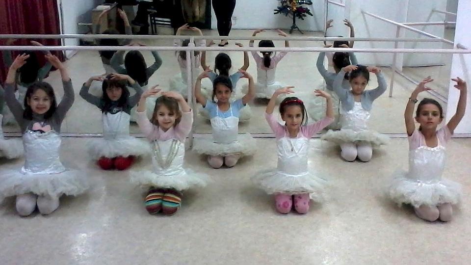 коледно тържество балеринки